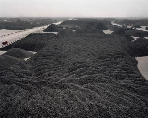 CHNA STE TAN 10 05+%28Custom%29 INTERVIEW: Manufactured Landscapes: An Interview with Ed Burtynsky (2006)