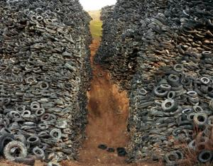Oxford Tire Pile 08 MR+%28Custom%29 INTERVIEW: Manufactured Landscapes: An Interview with Ed Burtynsky (2006)