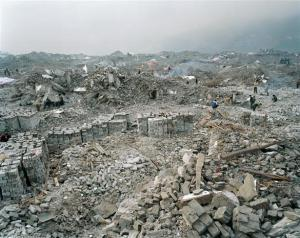 TGD FJ 04 02 750665+%28Custom%29 INTERVIEW: Manufactured Landscapes: An Interview with Ed Burtynsky (2006)